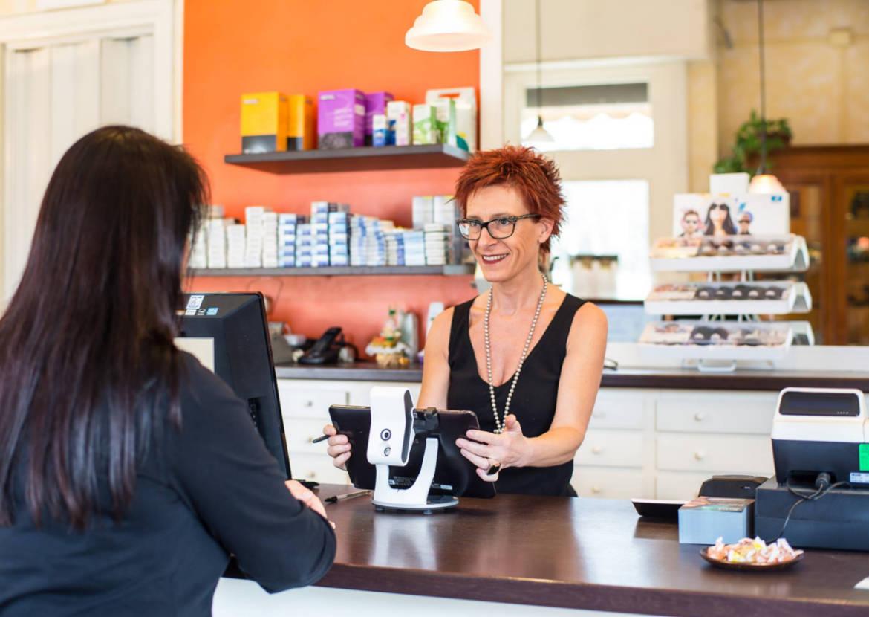 Ottica-Debiasi-Cristina-Debiasi-ottico-occhiali.jpg